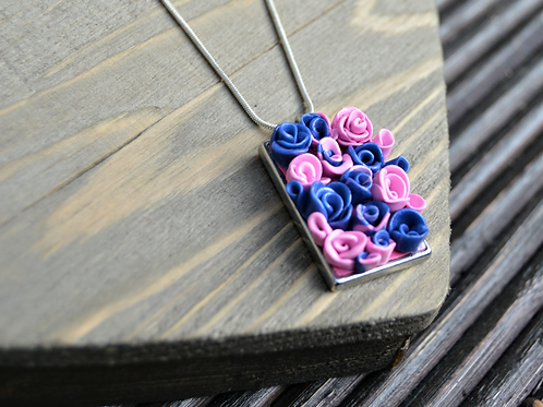Mini Roses Pendant Necklace