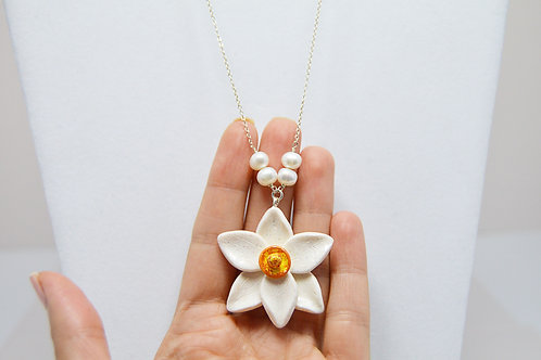 Sparkle Daffodil Wedding Necklace