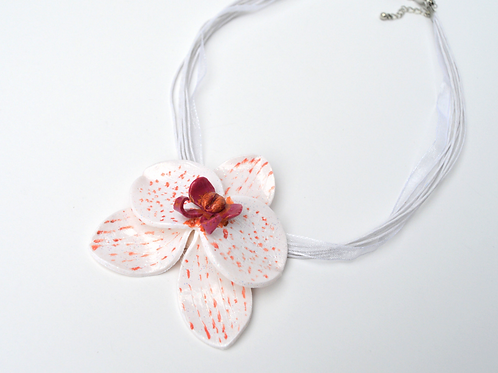 BEAUTIFUL ORCHID NECKLACE