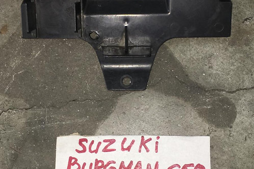 SPORTELLO COPRI BATTERIA USATO SUZUKI BURGMAN 650 FINO 2013