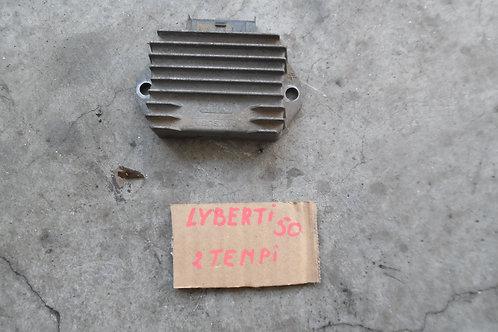 REGOLATORE DI TENSIONE USATO PIAGGIO LIBERTY 50 2T