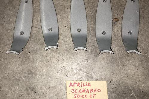 5 PLASTICHE DI COPERTURA RAZZA CERCHIO ANT APRILIA SCARABEO 50