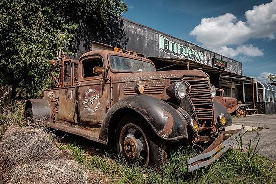 auto vecchia.jpg