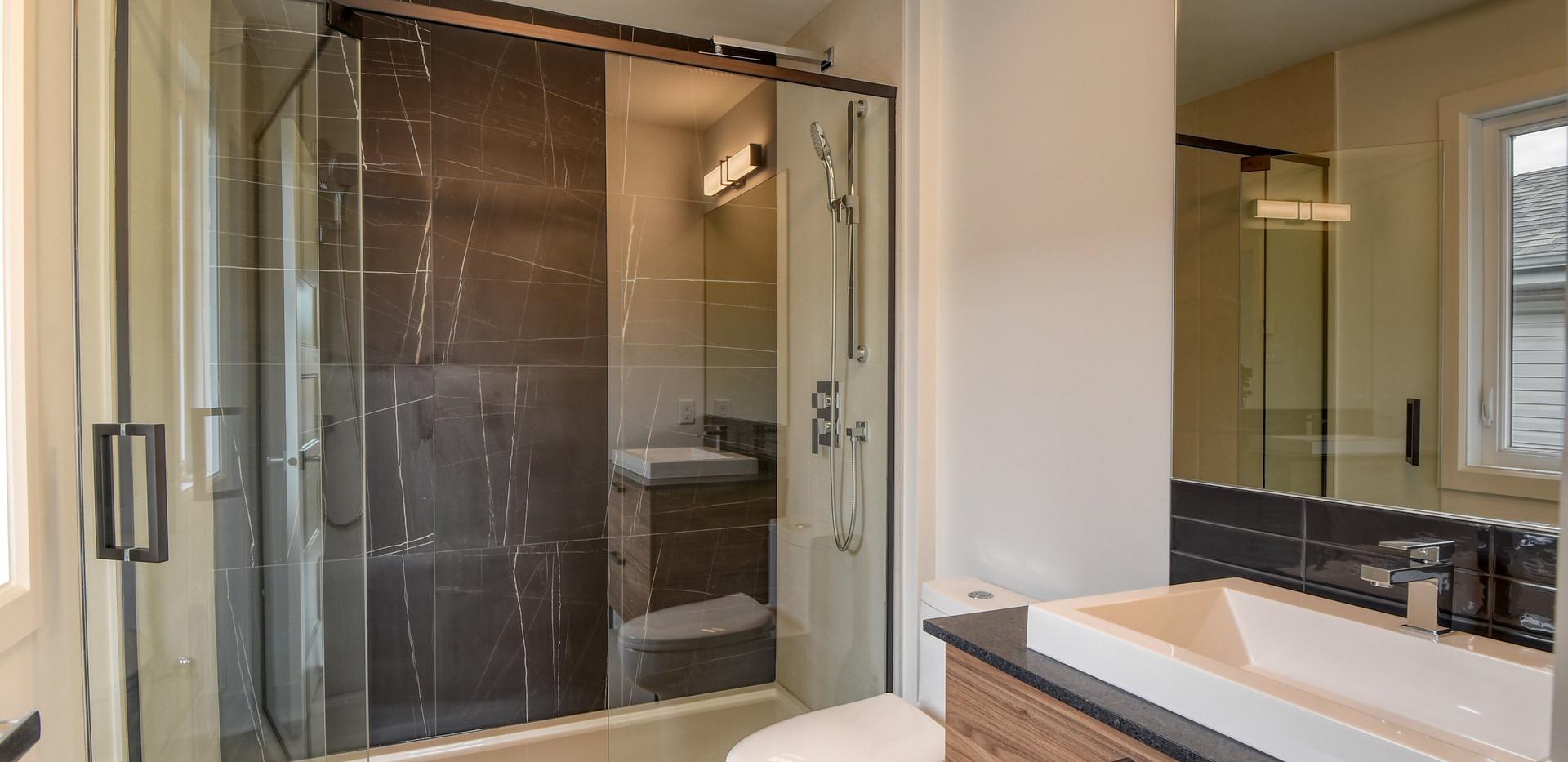031-19131044-Salle de bain attenante-001