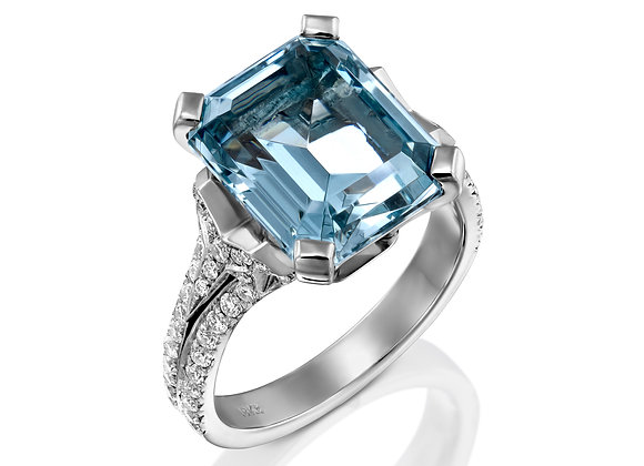 Sparkling Diamonds  Aquamarine ring