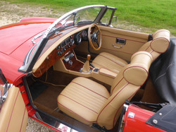 1973 MGB Roadster Flame Red (10)