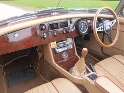 1973 MGB Roadster Flame Red (8)