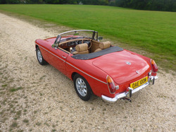 1973 MGB Roadster Flame Red (7)