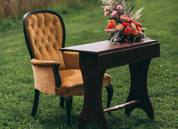 Woody Folding Table