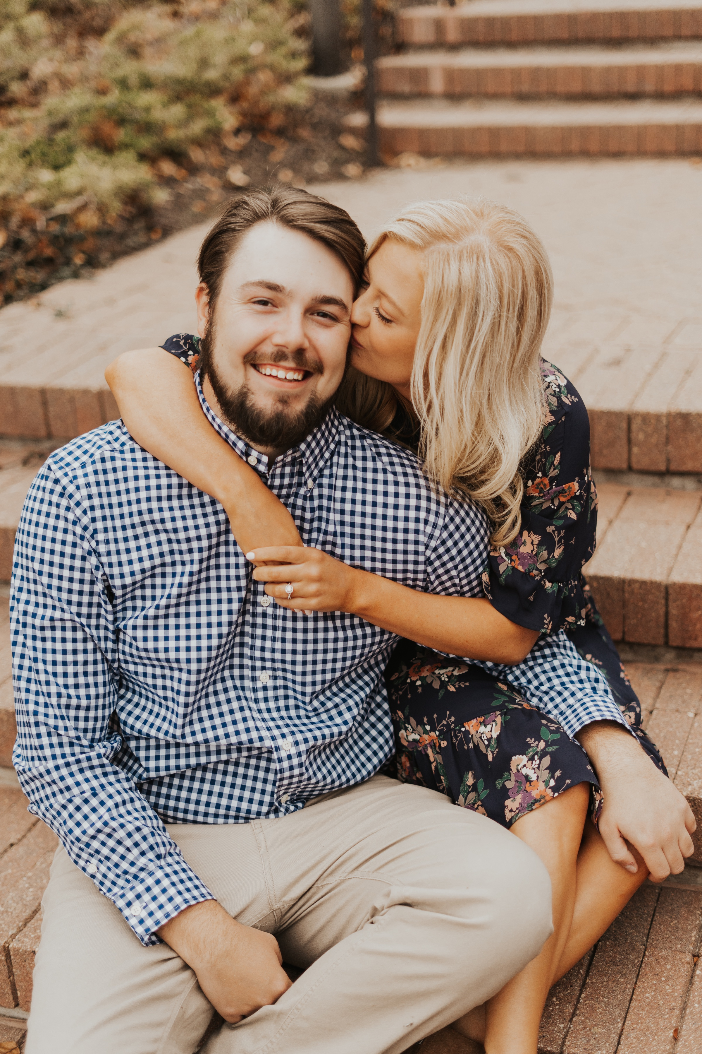 engagement photos at heartland of america park