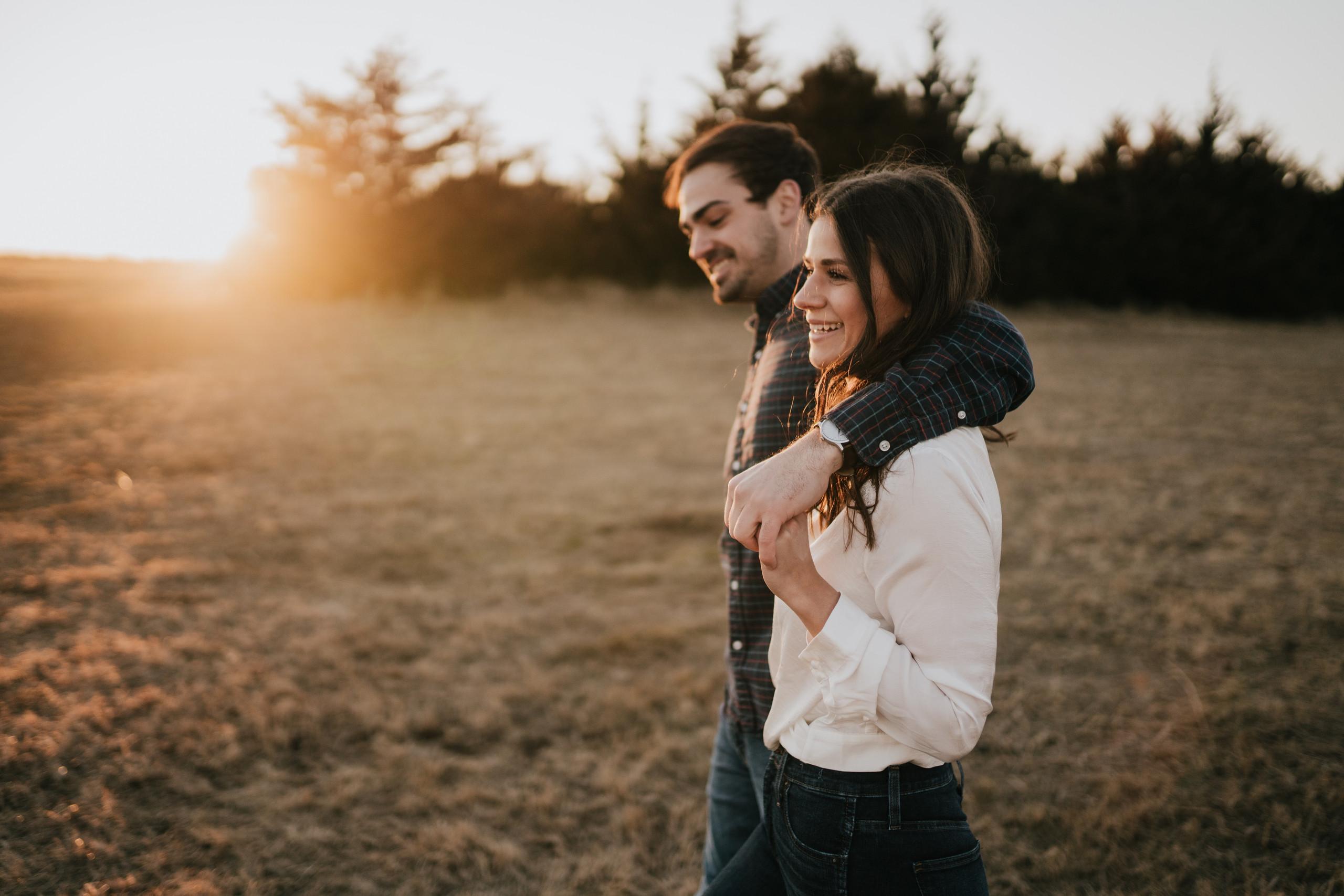 omaha wedding photographer omaha engagement session at mahoney state park carefree