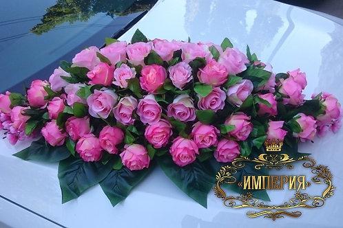 Розовые розы для украшения авто