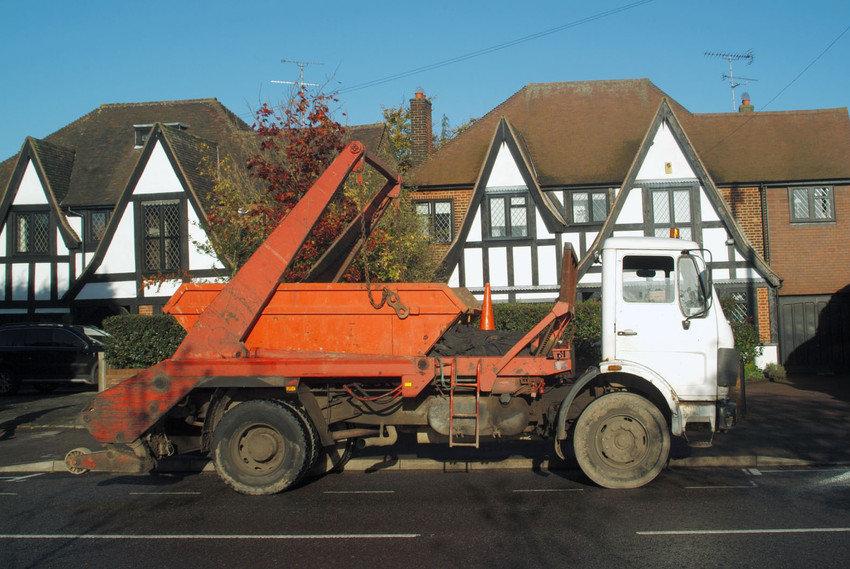 skip lorry.jpg