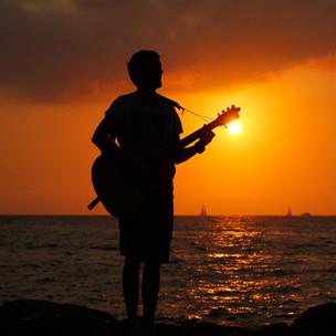 wav-Dr. sunset strumming