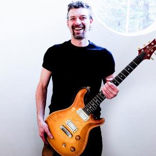 wav-Dr. and his PRS guitar