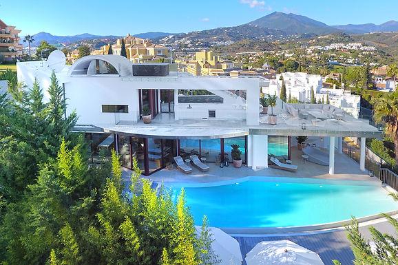 Stunning 7 Bedroom Villa in Nueva Andalucía