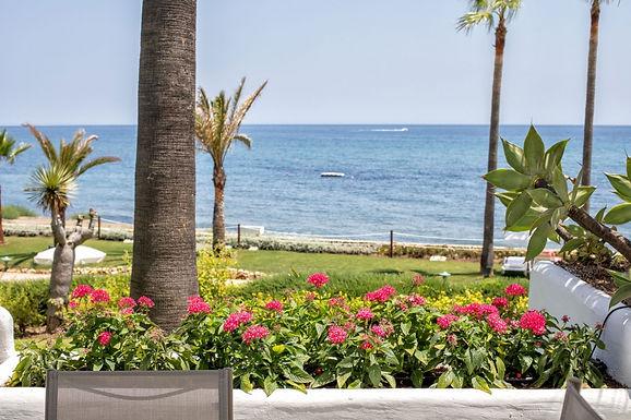 Cozy 2 Bedroom Beach Front Apartment in Alcazaba Estepona