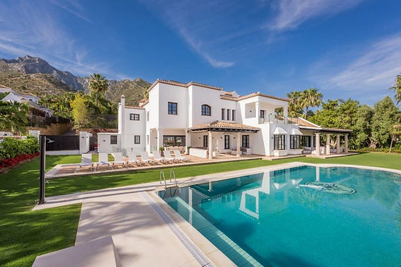 Luxurious Villa Set in The Exclusive Sierra Blanca