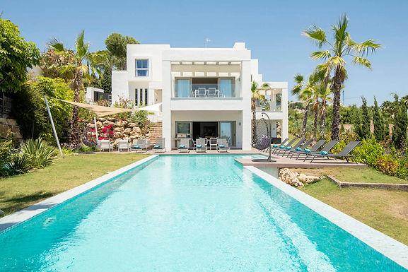 Modern 5 Bedroom Villa in El Paraiso near Marbella