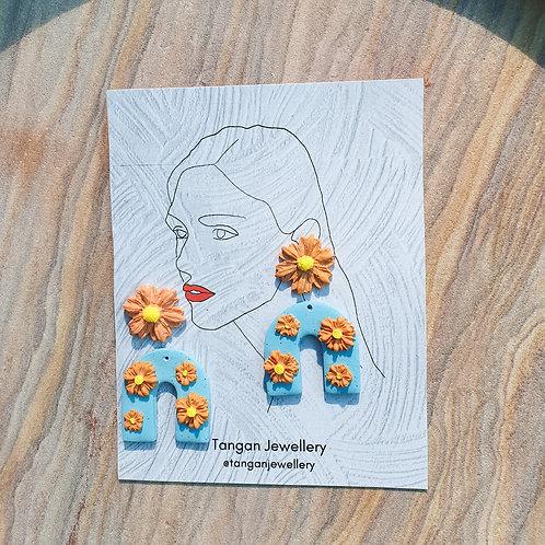Daisy Medium-Small U Pastel Orange Dangle earring