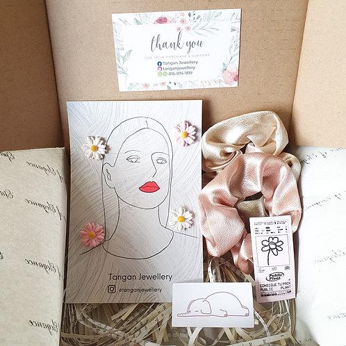 Gift Box Set 2 Scrunchies Add On