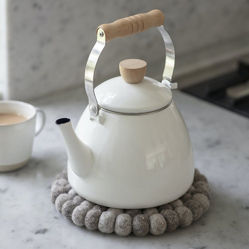 Enamel Stove Kettle in White