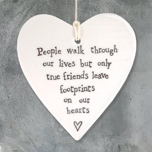 Porcelain round heart-People walk