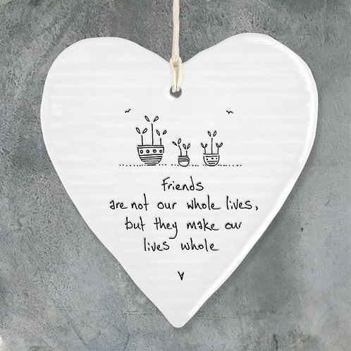 Wobbly round heart-Friends make lives whole