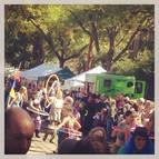 parade-hula-hooping