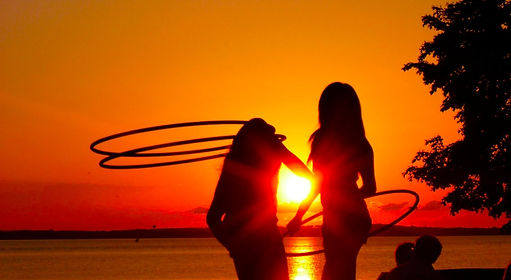 hula hooper madison wisconsin james madison hula hooping gHwc gnar hoops Breezi double shoulder hooping polypro hula hoop teacher sunset hoop jam madison wi