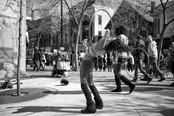hula-hoop-street-performer