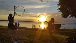 sunset-hula-hooping