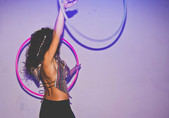 double-hula-hoop-performer