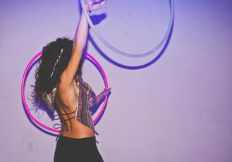 double-hula-hoop-performer