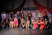 hula-hoop-performers