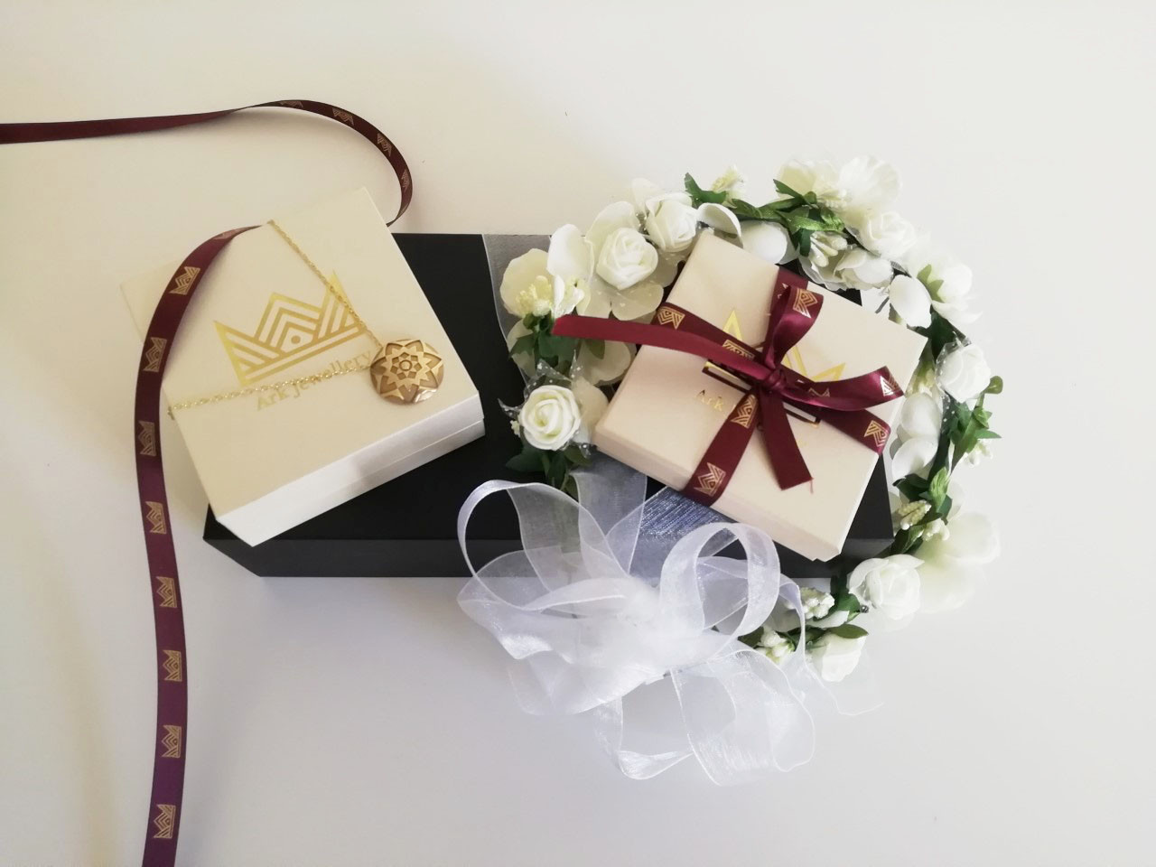 package+ribbon+necklace.jpg