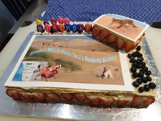 1-Birthday cake Londiningi