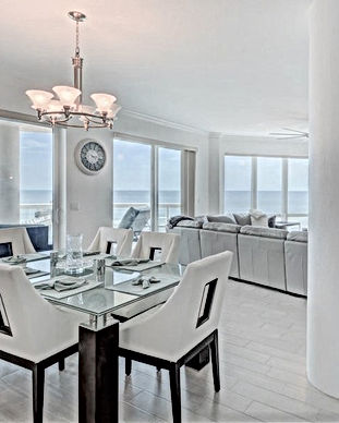 Ocean front Condo with many windows overlooking the ocean