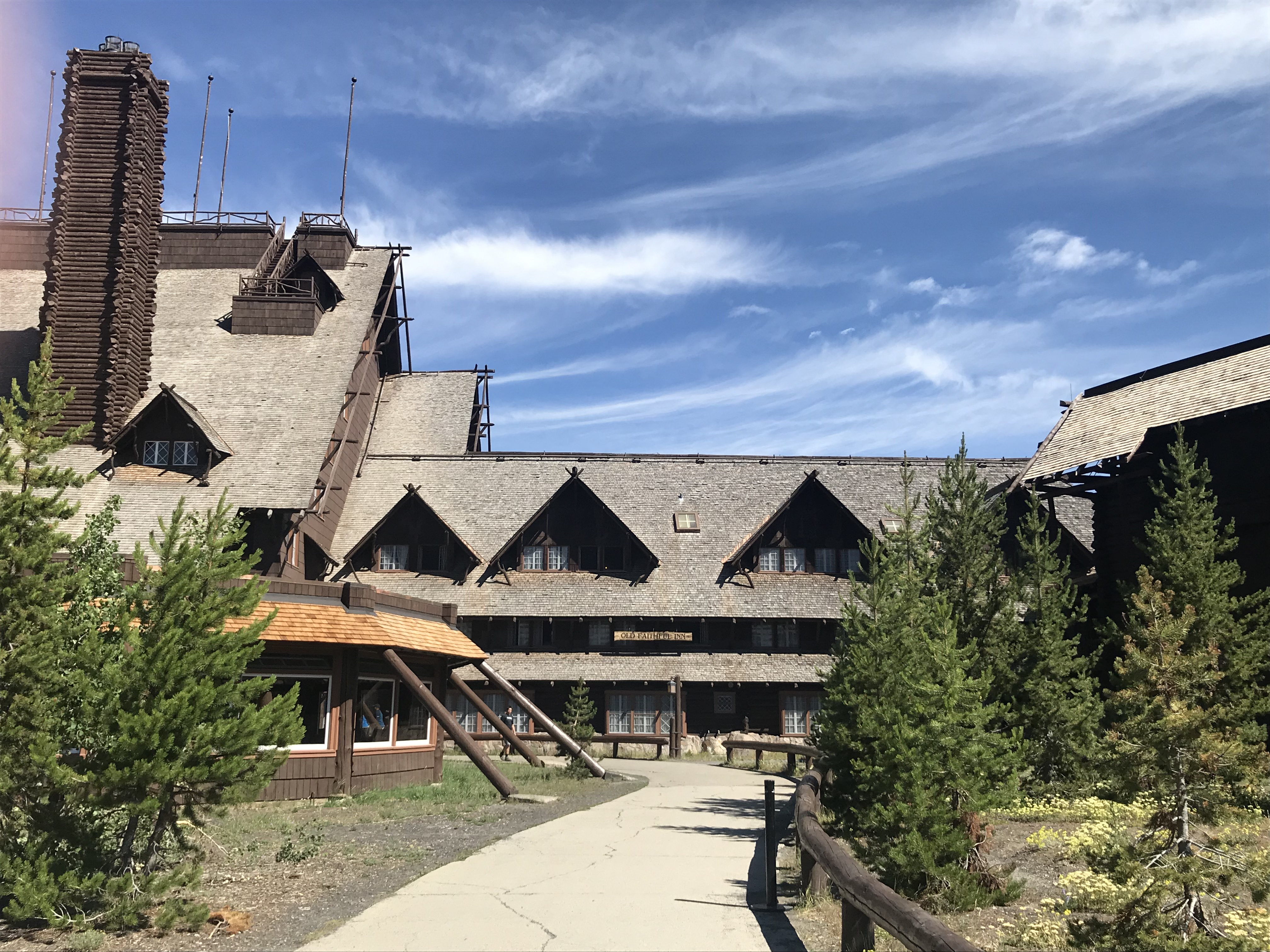 Hotel komplett aus Holz