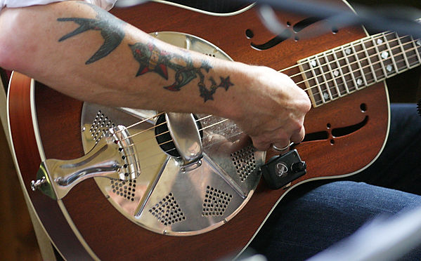 slide guitar, country-blues, americana