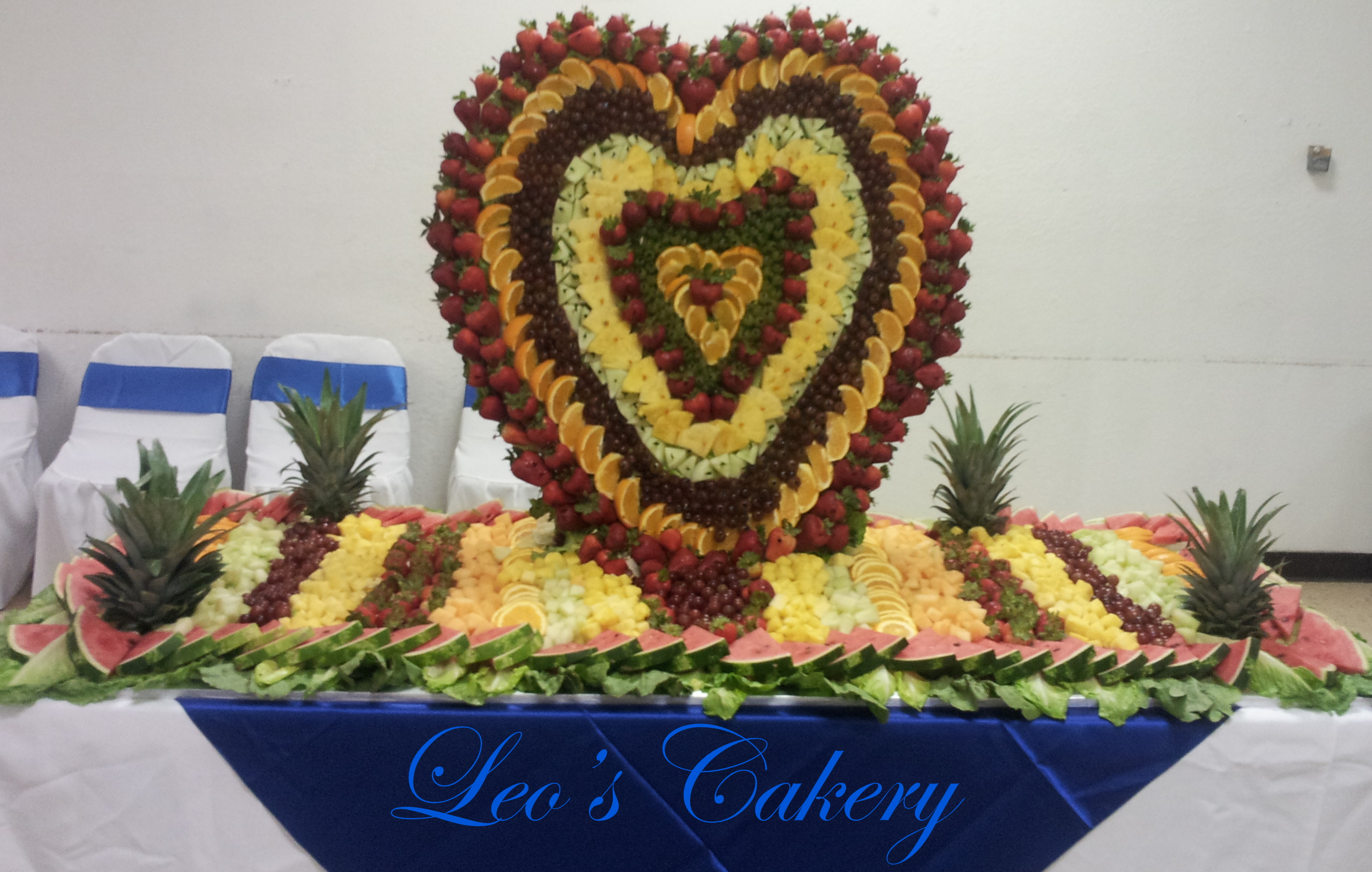 Wedding fruit heart shape table