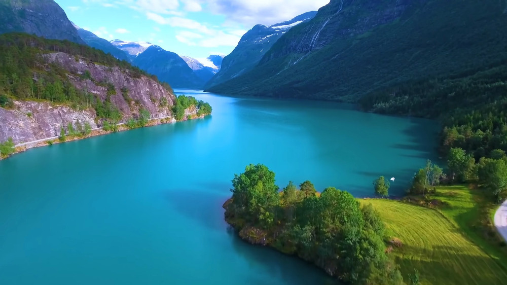 Outstanding view of a norwegian lake - Top 5 National Parks in Norway you should not miss.