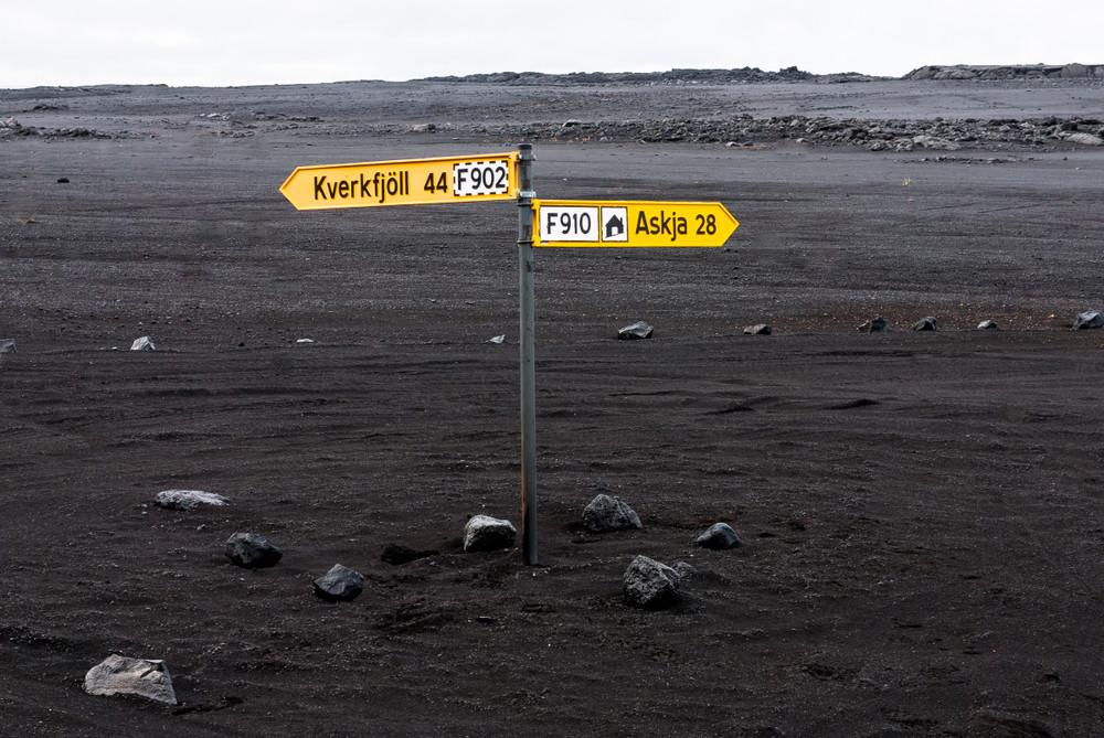 Señales amarillas de las Carreteras F en Islandia