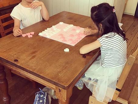 5月30日『女子将棋の日』にちなみ、日本初の【小学生女子対象・将棋アンケート】を実施。「将棋経験は?」「将棋が楽しい理由は?」「やりたくない理由は?」
