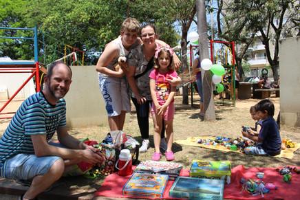 Feira de Brinquedos e Dia do Brincar: escolas celebram de forma diferente o mês da criança