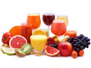 Sucos com frutas combinadas garantem uma boa dose diária de nutrição