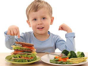 Nutricionista dá dicas sobre alimentação correta para as crianças