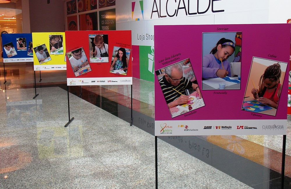 Exposição_'Um_olhar_colorido'_no_Shopping_Cidade_Sorocaba.JPG