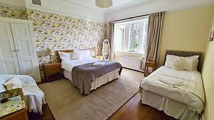 Room Two - Kirkfield Guest House