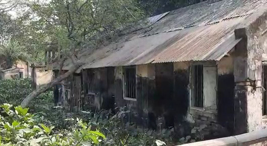 Old and dilapidated Harishchandrapur front liners accommodation
